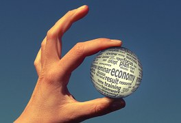 mão com bola economy